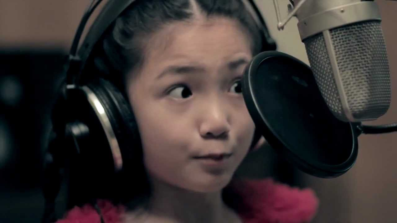 9-YEAR-OLD Crystal Lee sings CALL ME MAYBE (Carly Rae Jepsen Cover) HD