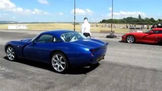 TVR Tuscan S vs Dodge Viper - Drag Race