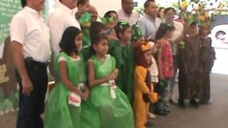 Niños Conmemoran Día Del Árbol Con Disfraces