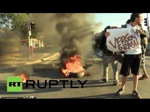 Brazil: Tyres burn in