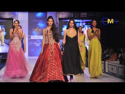 Evelyn Sharma & Miss India Navneet Kaur Dhillon At Rajasthan Fashion Week 2013