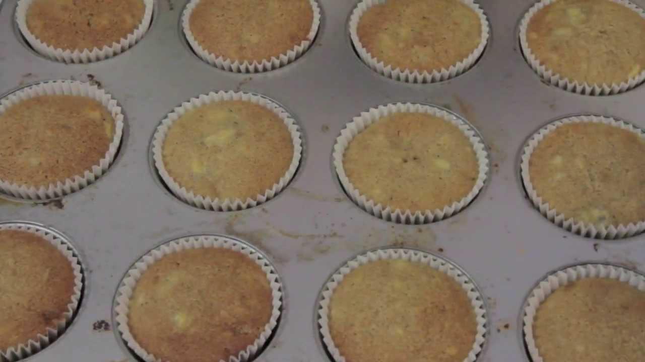 Best Banana Cake/Cupcake Recipe! - YouTube
