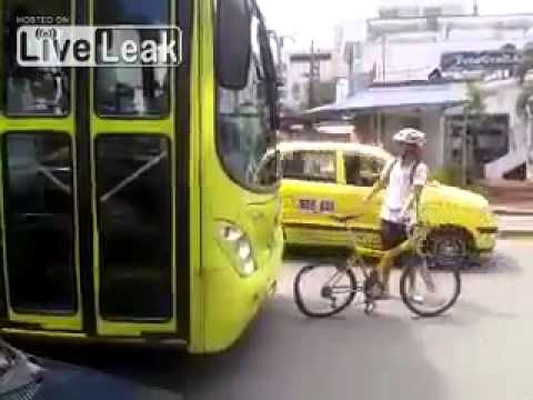 Bus vs Cyclist !!