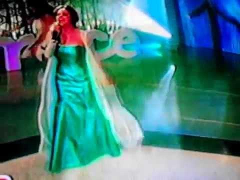 Tania Rincón canta Libre Soy de Frozen