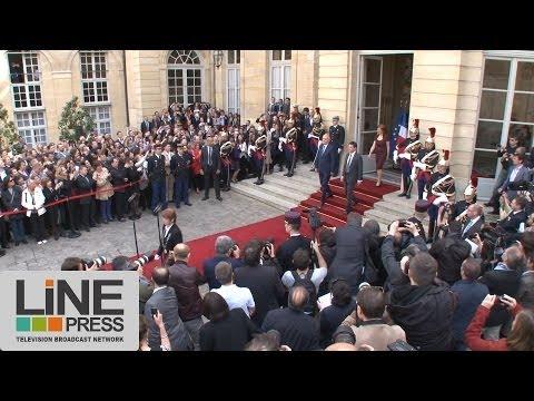 Passation de pouvoir à Matignon Jean-Marc Ayrault Manuel Valls / Paris - France 01 avril 2014