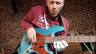 Epic BASS LICK (and the coolest soloing substitution?)