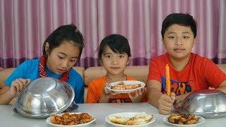 Đồ Ăn Bất Ngờ - Trò Chơi Thách Đoán Đồ Ăn Thật Giả - Real Food vs Fake Food Challenge!