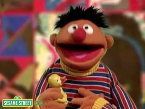 "Sesame Street: Kids Sing ""Twinkle Twinkle Little Star"" WIth Ernie"