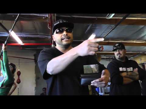 floyd mayweather vs marcos maidana Rapper Spits Flow in oxnard - esnews boxing