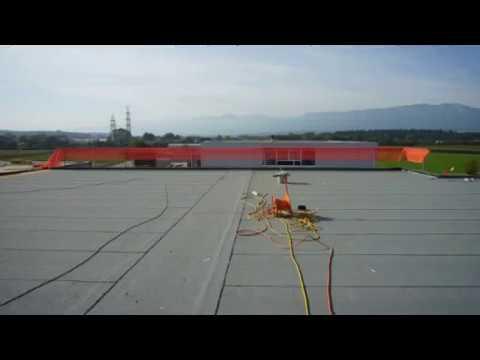 Leister BITUMAT- bezogniowe zgrzewanie pokryć dachowych z pap elastomerowo-bitumicznych
