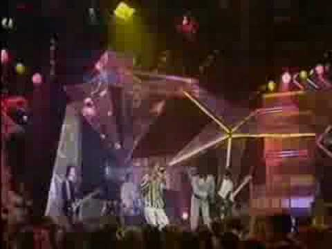 Miniatura del vídeo The Soup Dragons - I'm Free (Top Of The Pops 1990)