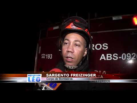 23/10/2019 - Tombamento de carreta na Rodovia Faria Lima em Barretos deixa 3 feridos