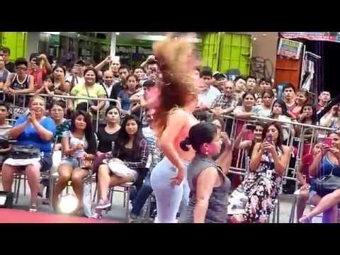 Cindy Marino   - bailando el