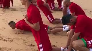 بالفيديو٠٠لاعبو المنتخب المغربي يستعدون لمونديال روسيا بشاطئ الصخيرات | قنوات أخرى