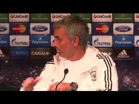 Jose Mourinho Screws Up Team Line-Up In Hilarious Exchange With Reporter - PSG vs Chelsea