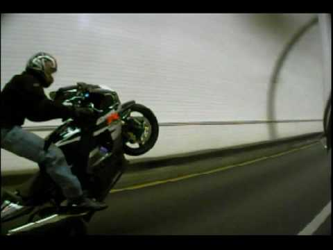 2004 Suzuki GSXR 1000 Wheelies, also topping out speedo 186MPH
