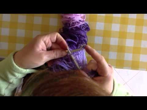 Lavoro ai ferri: esecuzione sciarpa a rete parte2 (fase di chiusura)