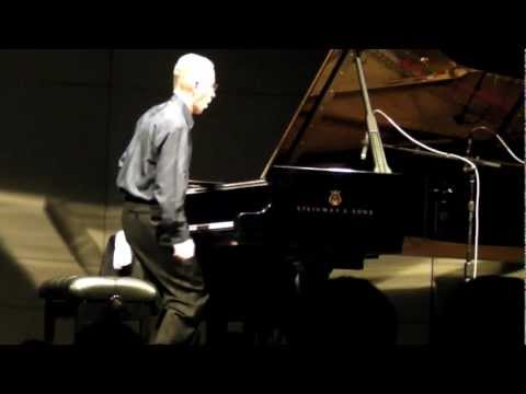 Keith Jarret Live 2012 Solo Piano Full 2 hr. Show, All Improvisation