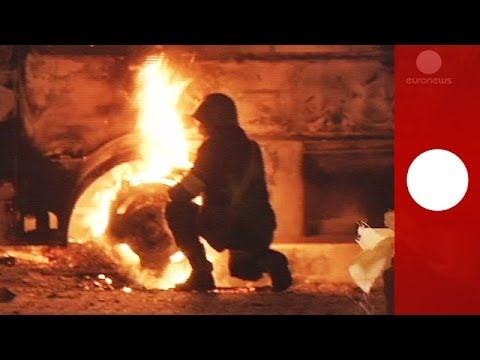 Battlefield Kiev: Ukraine protesters firebomb cops