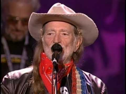 Willie Nelson - Mammas Don't Let Your Babies Grow Up to Be Cowboys (Live at Farm Aid 2001)