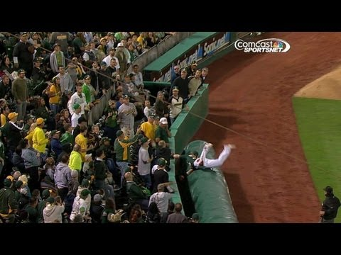 Donaldson dives over tarp for UNBELIEVABLE catch