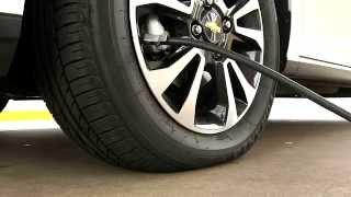 Calibrar pneus aumenta a seguran�a e a economia