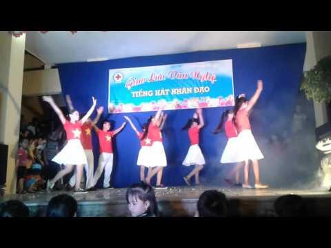 Nhảy dân vũ NỐI VÒNG TAY LỚN