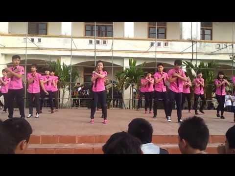 Nhảy dân vũ - Chi đoàn 11A3 - THPT Minh Khai 2014