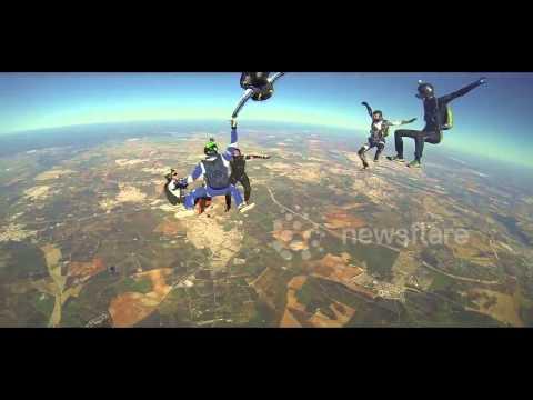 Amazing skydiving tricks