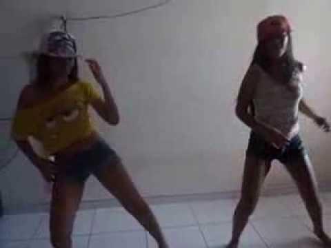 MaryMoura & LuanaPacifico (kika no chão BMD)
