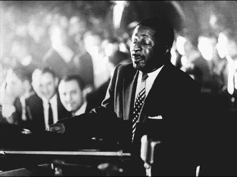 "Five Jazz Piano Giants Play ""The Way You Look Tonight"" (Garner, Brubeck, Peterson, Jamal, Tatum)"