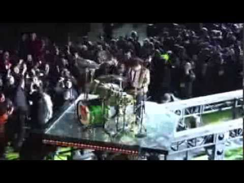 Bruno Mars - Drums solo & Locked out of Heaven @ Super Bowl
