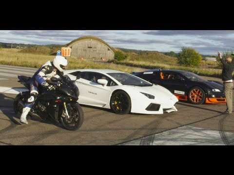 Ultra HD: Drag RACE Bugatti Veyron Vitesse vs Lambo Aventador vs BMW S1000RR - presented by Samsung