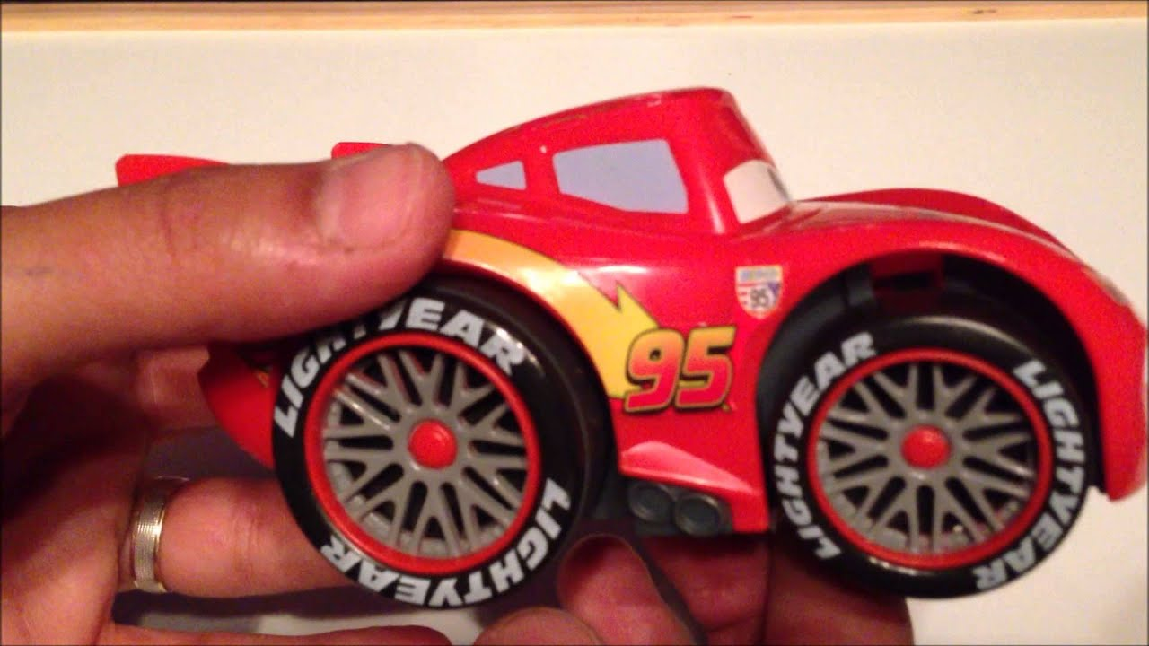 Cars 2 voiture shake and go flash mcqueen youtube - Auto flash mcqueen ...