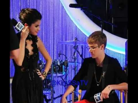Justin Bieber & Selena Gomez at the 2011 MTV Video Music Awards  (August 28 - Pictures)