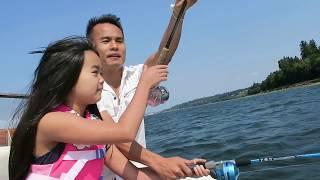 Cuộc sống ở Mỹ: Kéo tàu ra biển câu cá bắt cua rất vui.Tiểu Bang Washington.( Mukilteo beach Wa).