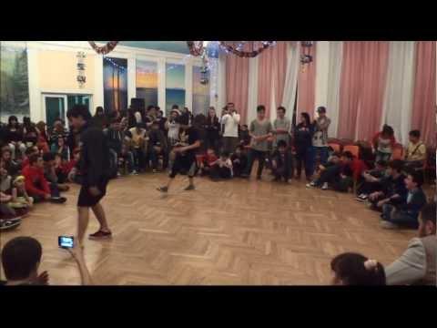 Bboy ThunderlegZzZ vs Bboy Heno 1st round (retro & new street dance competition)
