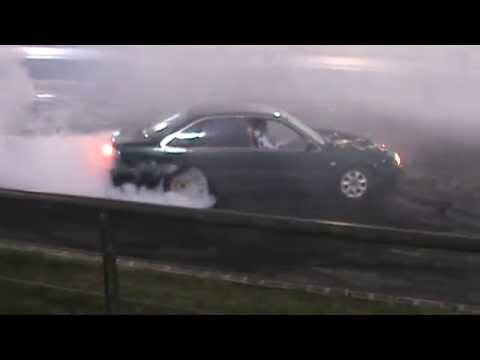 BN99LC Holden VS V6 Commodore Burnout At WSID 18 6 2014