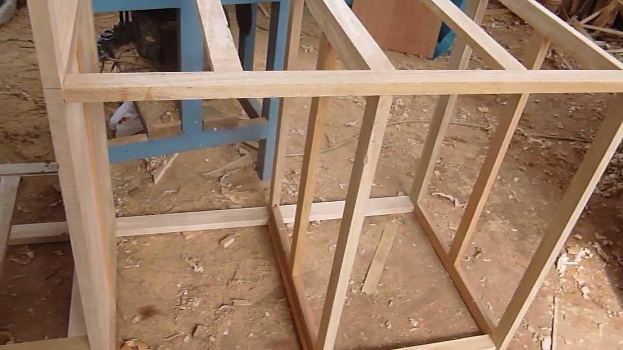 Construccion de estructura de madera con tornillos youtube - Como hacer un closet en una habitacion ...