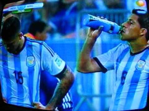 Argentina vs holanda 2014 Golpe Javier Mascherano