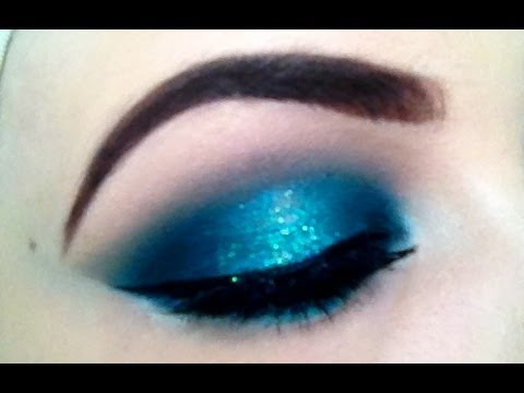 MAKEUP TUTORIAL: TEAL & TURQUOISE INTENSE SMOKEY EYE