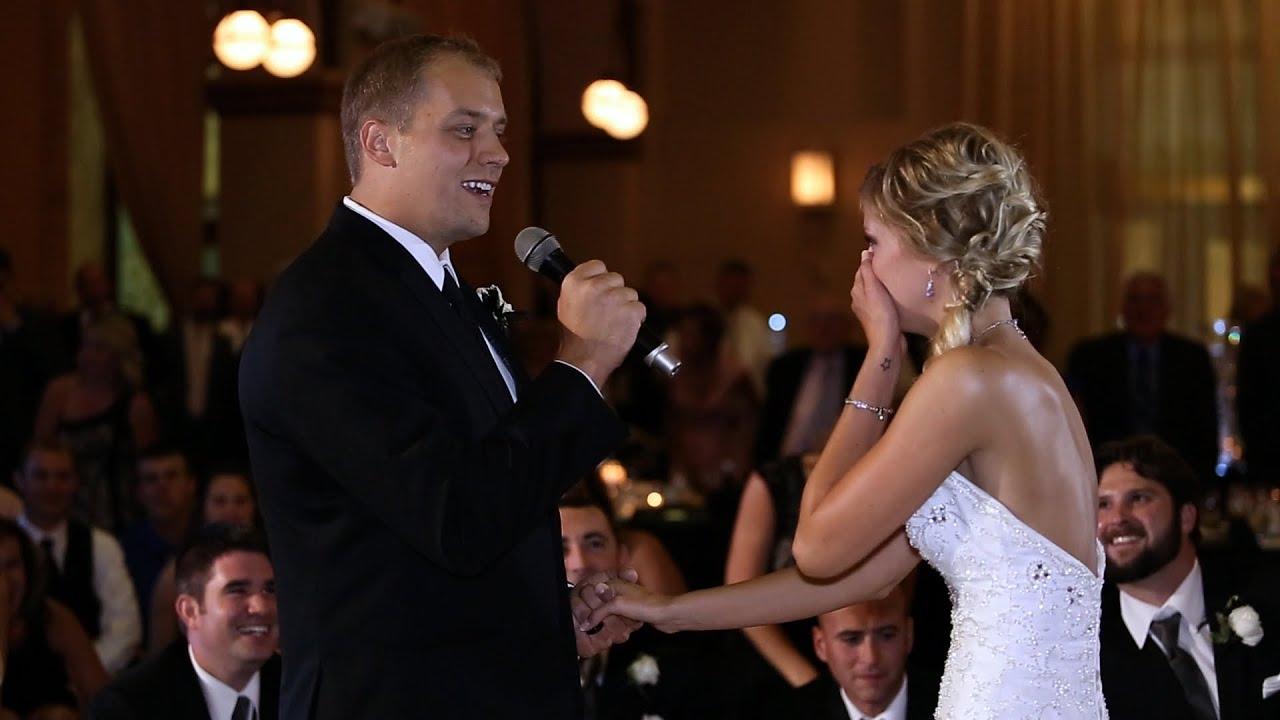 groom surprises his bride by singing  u0026 starting flash mob