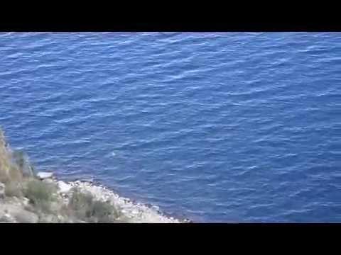 sirena en el lago de copacabana bolivia