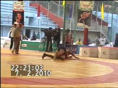 PAKISTANI WRESTLER MUHAMMAD UMAR PEHLAWAN WIN GOLD MEDAL IN SOUTH ASIAN GAMES 2010 DHAKA.MPG