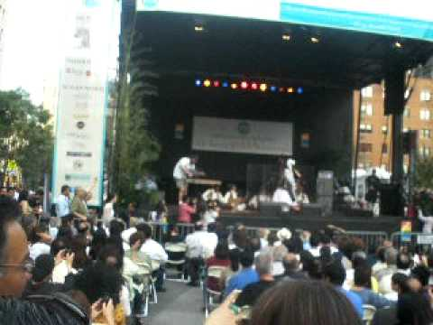 Dane Pa Dana - Akhtar Chanal (LIVE Union Square, New York) July 20, 2010 !!