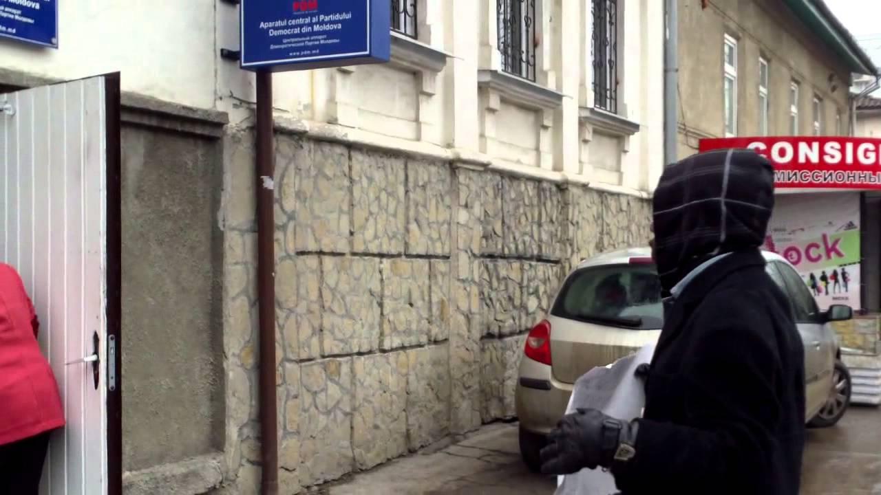 Doar un moldovean le-a cerut politicienilor socoteala