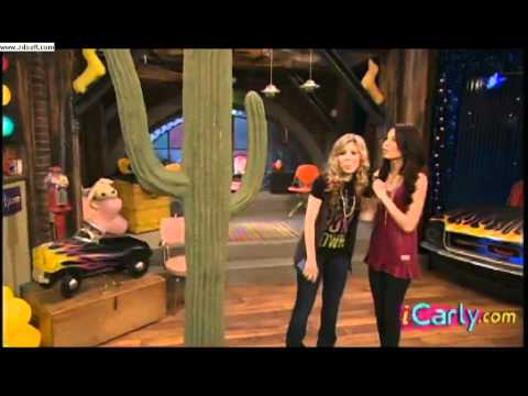iCarly - iParty with victorious deleted scene