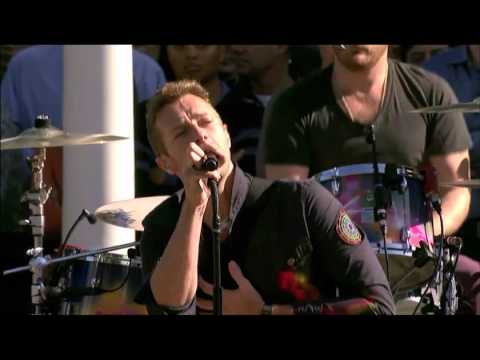 Coldplay - Yellow  (Live) @ Apple Steve Jobs Memorial