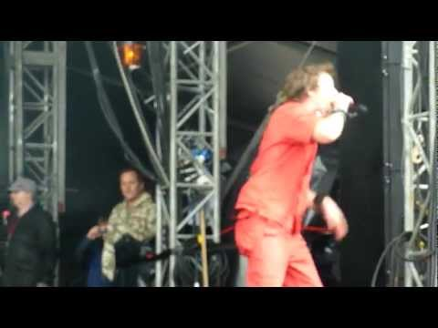 Terrorvision - Josephine (Live - Download Festival, Donington, UK, June 2012)