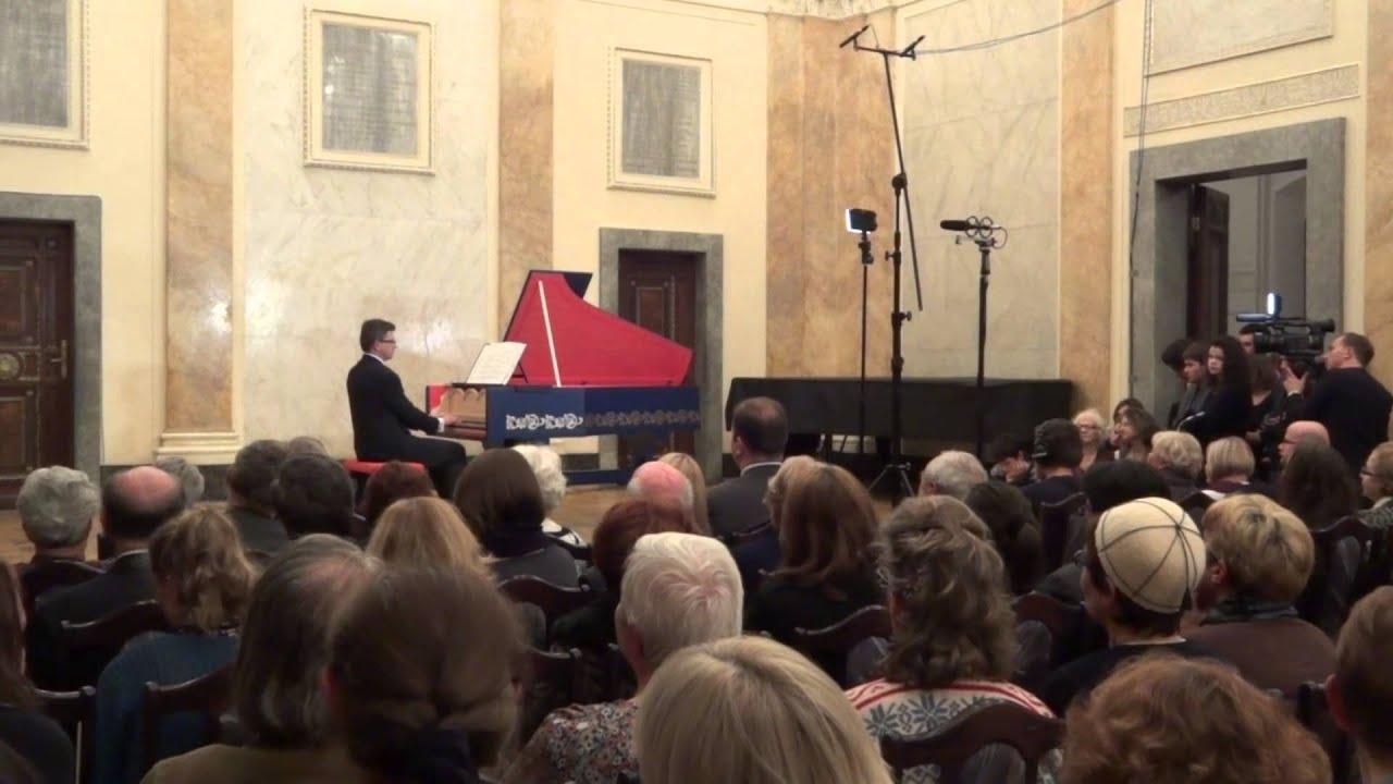 Viola organista made by Sławomir Zubrzycki [a la Leonardo da Vinci]